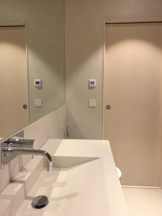 Microcement spegel badrum